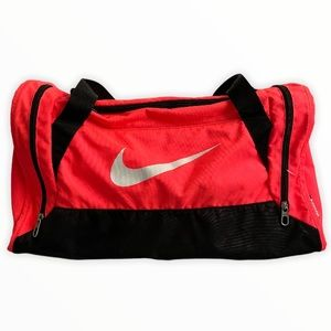 Nike Swoosh Duffle Gym Bag
